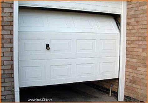 porte de garage sectionnelle avec porte d entr 233 e pvc leroy merlin porte d entr 233 e blind 233 e a