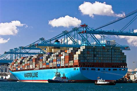 container bureau for ultra large container ship proposed by