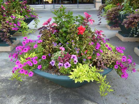 The Art Garden Garden Designers Roundtable Containers