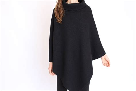 Poncho Women / Merino Wool Cape / Womens Wool Poncho