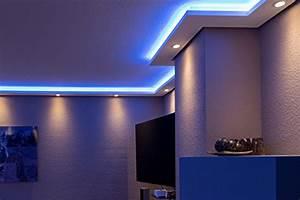 Badezimmer Beleuchtung Wand : stuckleisten lichtprofil f r indirekte led beleuchtung von wand und decke stuckleiste aus ~ Michelbontemps.com Haus und Dekorationen