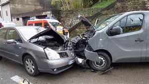 Accident Ile De France : dix adolescents bless s dans un accident entre un minibus et une voiture aux salles du gardon ~ Medecine-chirurgie-esthetiques.com Avis de Voitures