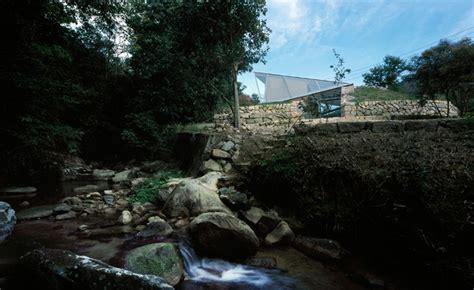 base valley house  sambuichi architects