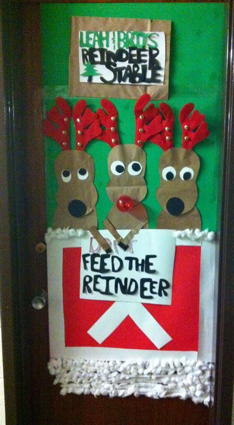 leah  brittanys reindeer stable  door creativity