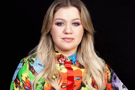 Kelly Clarkson Sued By Her Management Company