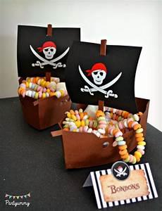 Deco Anniversaire Pirate : organiser un anniversaire pirate pour enfant avec printables tuto pour g teau dress code ~ Melissatoandfro.com Idées de Décoration