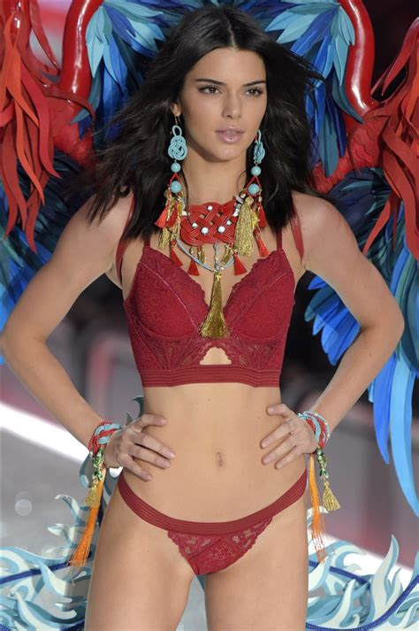 Kendall Jenner Thigh Gap And Camel Toe For Victoria's ...