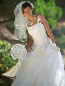 point mariage plan de cagne robes de mariée quot adia quot de point mariage