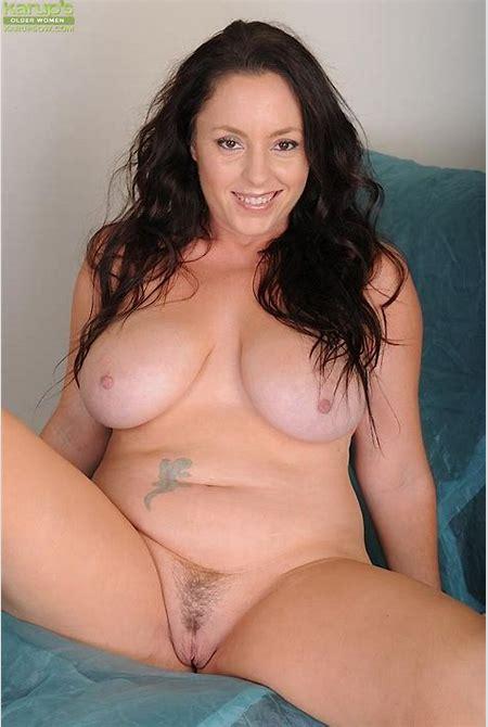 Curvy Milf Porn - XXXPornoZone.com