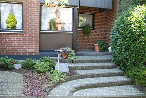 hauseingang gestalten granit hauseingang gestalten pflanzen vorgarten gestalten reihenhaus ideen fresh vorgarten gestalten