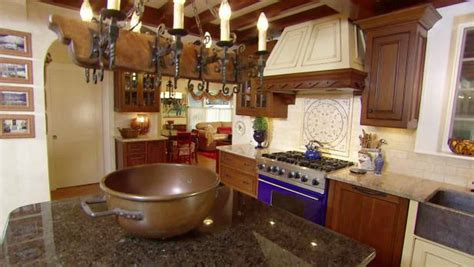 colonial kitchen designs colonial goes modern hgtv 2306