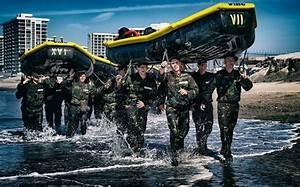 Top 10 Navy Seal Equipment List  U2013 Gear  Boots  U0026 More
