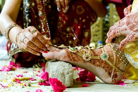 Different Types Of Bangles Worn By Indian Married Women