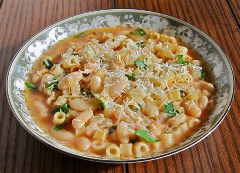 Pasta e Fagioli (Pasta Fazool/Pasta & Beans)   Gianni's ...