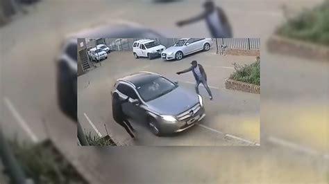Τρομακτικό Βίντεο! Ένοπλοι Ληστές Προσπαθούν να Κλέψουν