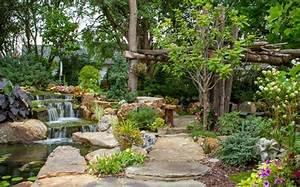 Gartenteich Mit Wasserfall : gartenteich anlegen ideen f r eine kreative gartengestaltung ~ Orissabook.com Haus und Dekorationen