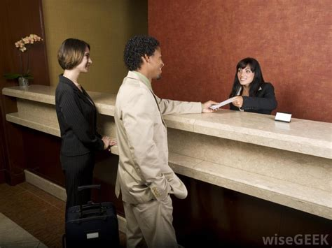 hotel front desk clerk what is the typical organizational structure of a hotel