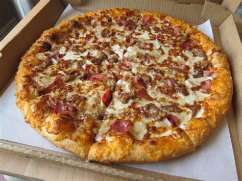 thin box review pizza hut 39 s smokehouse bbq pizza brand