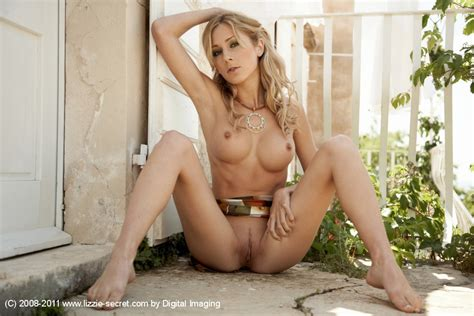 Julia Crown Lizzie Secret Free Erotic Pictures Bravo