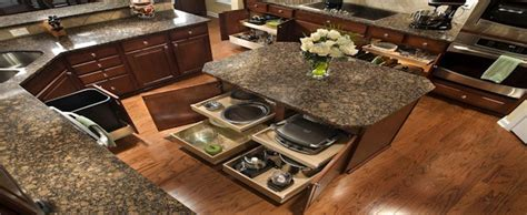 Faircrest Cabinets : Contemporary Kitchen with Shaker