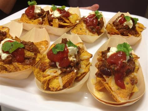 beef canape recipes canape mini beef nacho bowl canapés