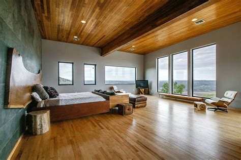 Beautiful Bedrooms with Wood Floors (Pictures)   Designing