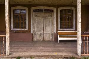 L U0026 39 Ingresso Alla Vecchia Casa Di Legno  Il Vecchio Divano  U00e8