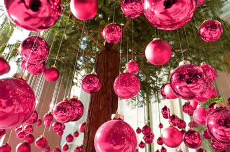 all the whos down in whoville girly grinchmas decorating ideas