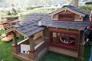 this work is for the dogs thomas on the board With outdoor dog house ideas