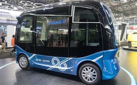china s baidu rolls out self driving buses