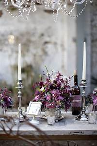 stunning wedding color ideas in shades of purple and