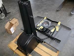 Bruno Joey Backpacker Power Chair Lift