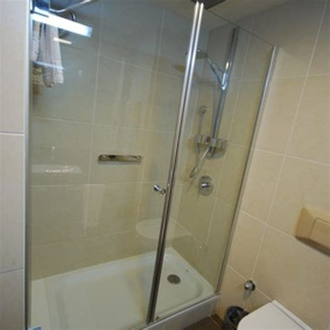 best way to clean shower cubicle 17 best ideas about fiberglass shower enclosures on
