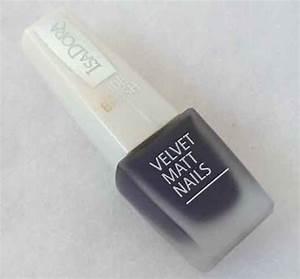 Feste Farbe Test : test effektlack isadora velvet matt nails nagellack ~ Michelbontemps.com Haus und Dekorationen