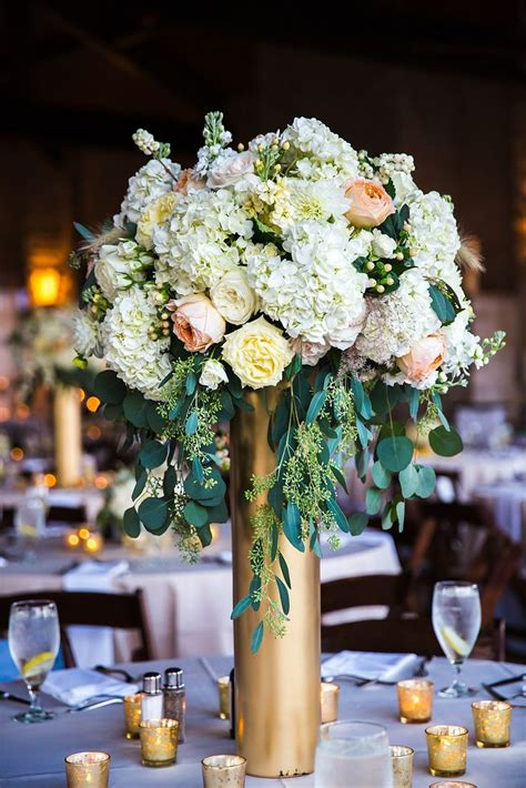 5 Beautiful Tall Vase Centerpieces For Your Wedding