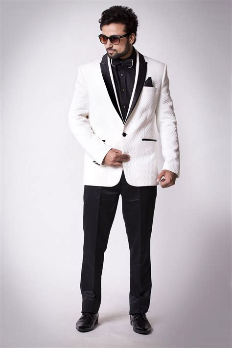 designer mens suits guide to select a designer suit for parivar ceremony