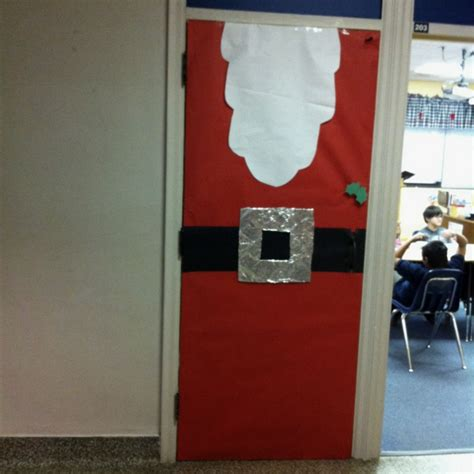 Easy Office Door Decorating Ideas by Easy Santa Classroom Door Decoration Myclassroomideas