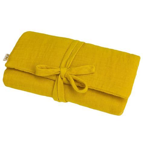 matelas a langer de voyage matelas 224 langer de voyage jaune tournesol numero 74 design