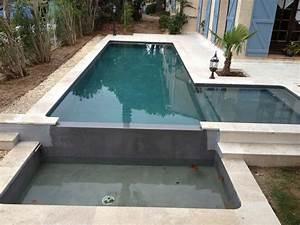 construction d39une piscine marinal a debordement en beton With construction d une piscine en beton