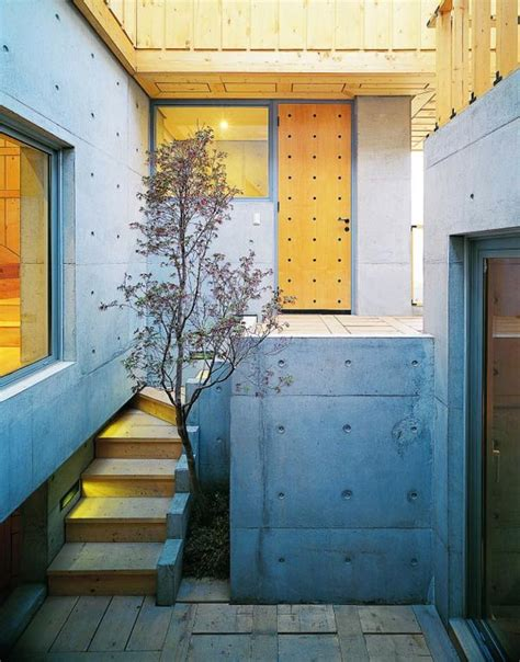 courtyard house architecture  beautiful concrete  wood