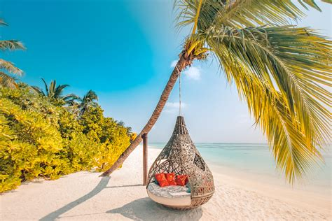 Maldives unveils campaign with Skyscanner