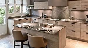 amenagement cuisine 7 grandes pieces comme a la campagne With idee deco cuisine avec table en pierre