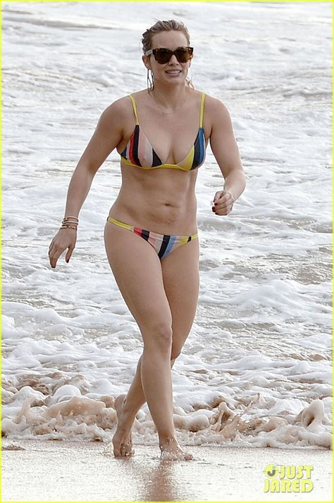 Full Sized Photo Of Hilary Duff Shows Off Amazing Body In A Bikini In Hawaii Photo