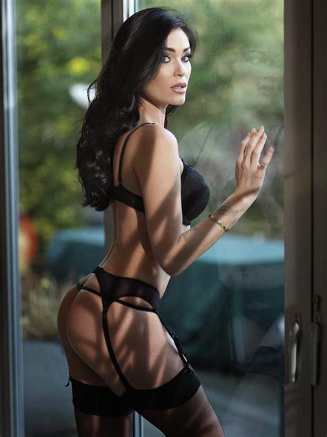Model Photos: Jasmine Waltz - Nuts Photoshoot
