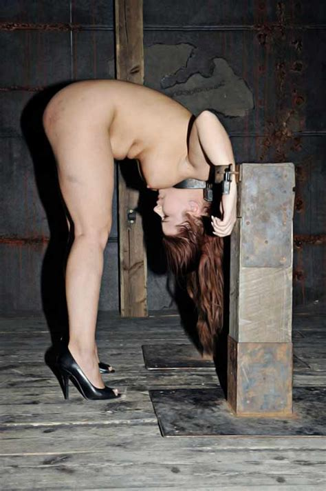 Girl Locked To Garrote Free Bdsm Torture Pics | Free Download Nude Photo  Gallery
