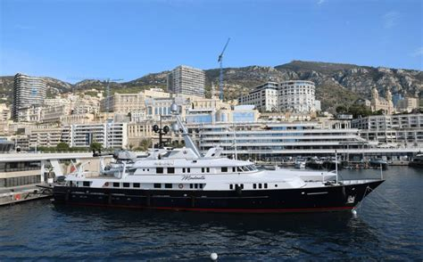 motor yacht minderella feadship yacht harbour