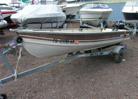 Crestliner Open Boat by 1985 Used Crestliner 12 V Open Fish Freshwater Fishing