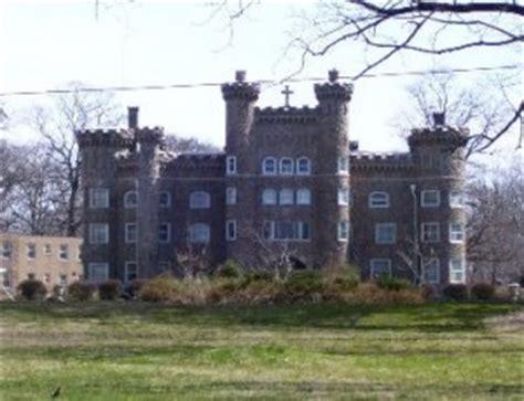 castle built  asbestos  house web blog