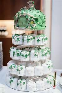 Herr Der Ringe Torte : the lord of the rings cupcake wedding cake herr der ringe wedding cakes hochzeitstorten ~ Frokenaadalensverden.com Haus und Dekorationen