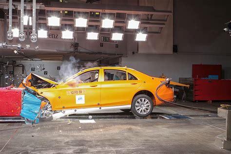 mercedes crumple benz crash zones zone test work class klasse mobil jenama autoevolution clase neuen kereta kerupuk macam classe kaleng